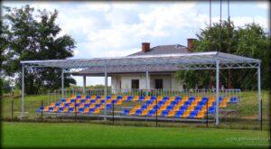 Stadion gminny w Strońsku - trybuna na 100 miejsc